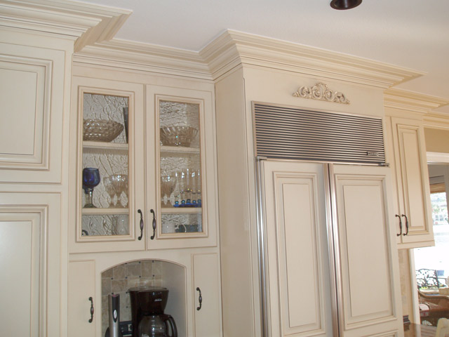 Face Frame Style Paint Grade Kitchen Cabinets With Bel Air Doors And Five Piece Drawer Fronts Off White A Tea Stain Glaze